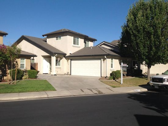 1348 Robinson Ln, Lodi, CA 95242