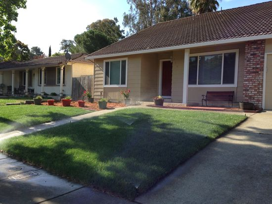239 Regents Park Dr, Vallejo, CA 94591