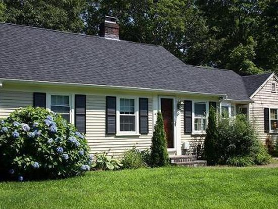 60 Dunns Pond Rd, Hyannis, MA 02601