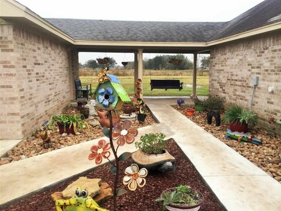 647 Campbell Rd, Winnie, TX 77665