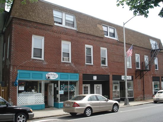83 Haven St APT 1A, Reading, MA 01867