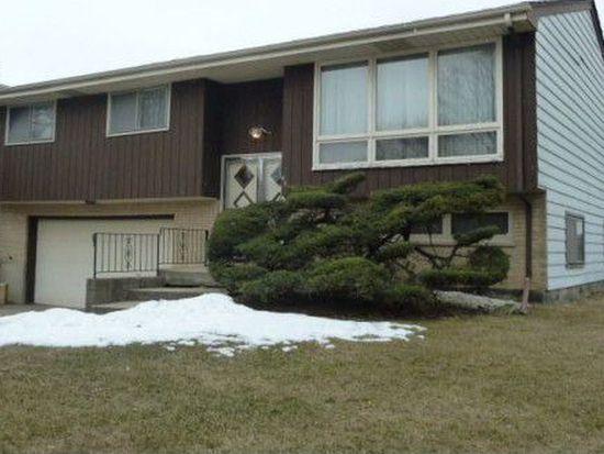 843 W Stonemill Ave, Addison, IL 60101