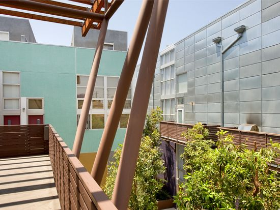 1037 N Laurel Ave APT 18, West Hollywood, CA 90046