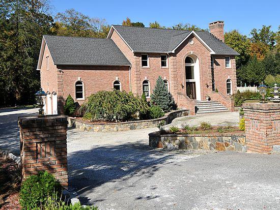 115 Peekskill Hollow Rd, Putnam Valley, NY 10579
