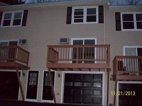 8 Picadilly Ct, Manchester, NH 03104