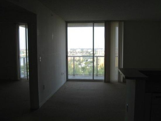 5077 NW 7th St APT 1205, Miami, FL 33126