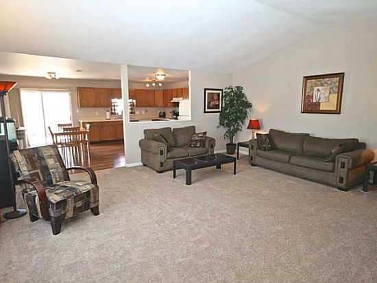 6207 Copeland Lakes Ln, Indianapolis, IN 46221