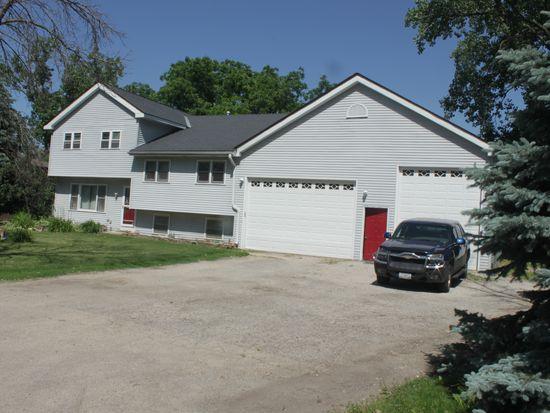 1N181 Ellis Ave, Carol Stream, IL 60188