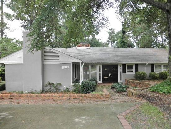 1410 Lakeview Dr, Fayetteville, NC 28305