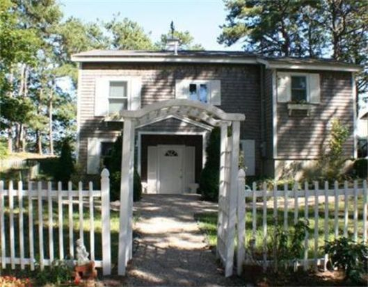 45 Central Ave, Plymouth, MA 02360