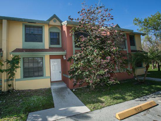 257 City View Dr, Fort Lauderdale, FL 33311