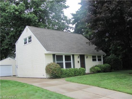 2320 Anderson Rd, Cuyahoga Falls, OH 44221