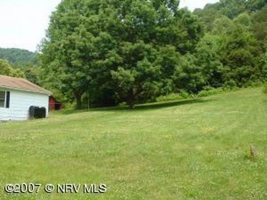 151 Crestwood Dr, Narrows, VA 24124