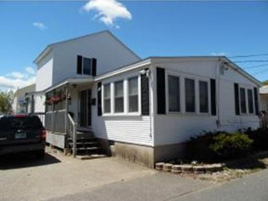 5 Tuttle Ave, Hampton, NH 03842