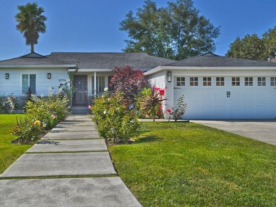 12706 Emelita St, Valley Village, CA 91607