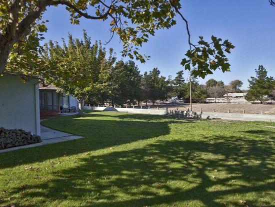 18605 Ranchito Del Rio Dr, Salinas, CA 93908