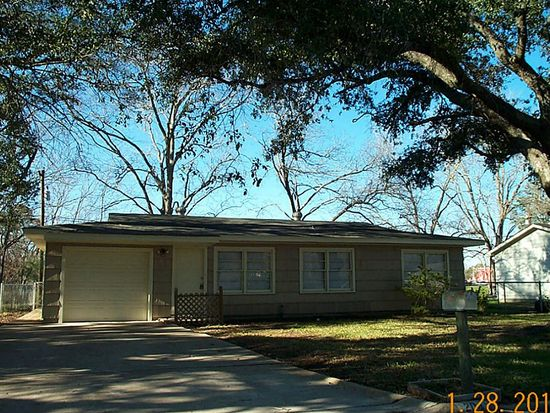 204 W Wilkins St, League City, TX 77573