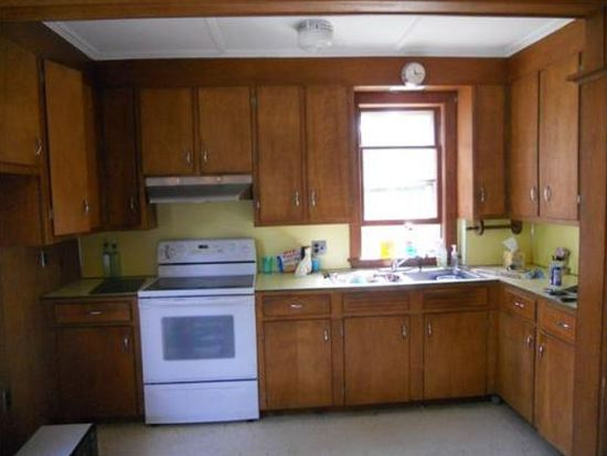 104 Colby St, Haverhill, MA 01835