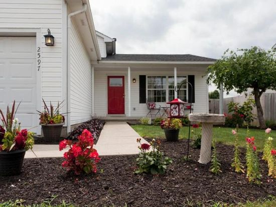 2597 Imperial Way Dr, Grove City, OH 43123