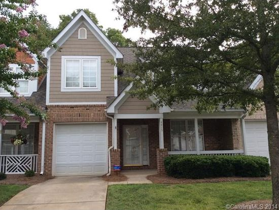4415 Coventry Row Ct, Charlotte, NC 28270