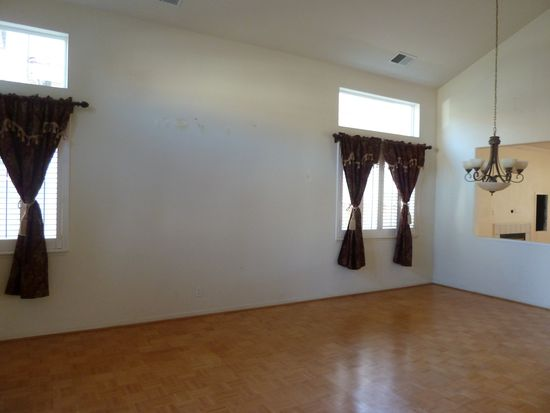 34240 Torrey Pine Ln, Union City, CA 94587