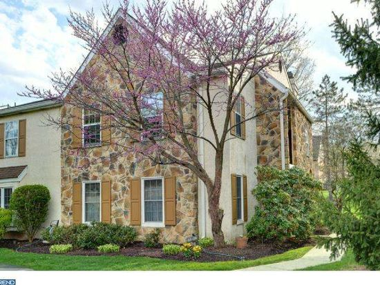 316 Valley Stream Ln, Chesterbrook, PA 19087