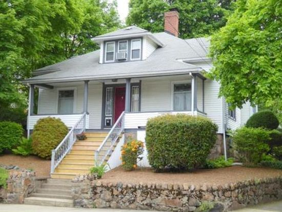 87 Oakwood Ave, Lynn, MA 01902