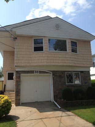 88 Slater Blvd, Staten Island, NY 10305