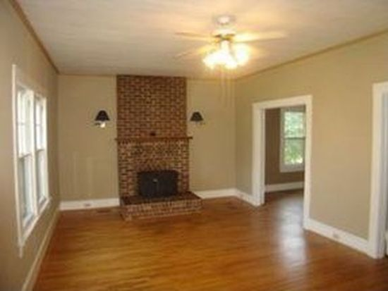 40 N Mcdowell Ave, Marion, NC 28752