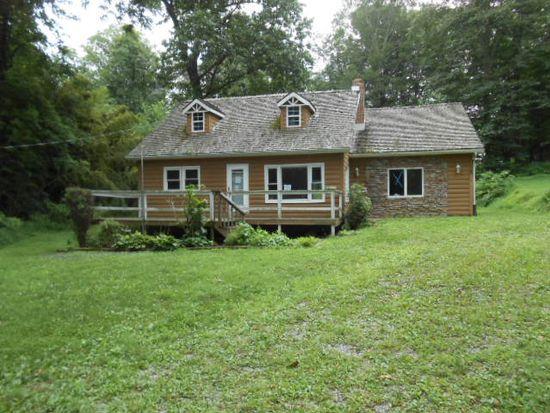 22 Cabin Still Rd, Delta, PA 17314