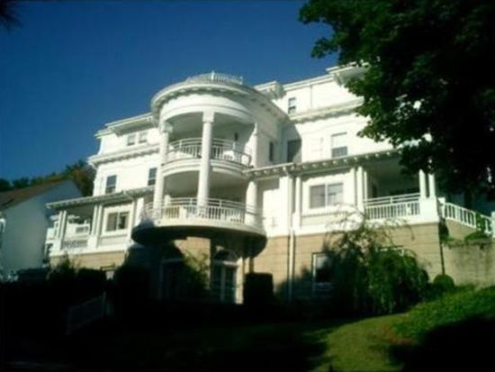 1401 Great Pond Rd APT 11, North Andover, MA 01845