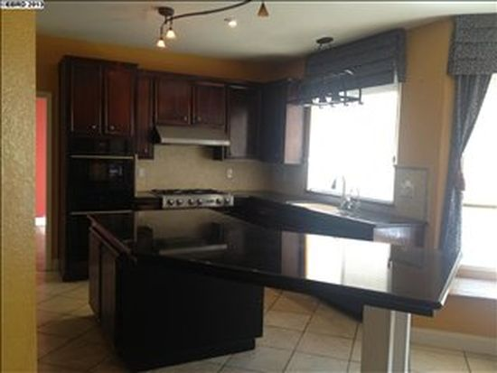 260 Avocado Pl, Brentwood, CA 94513