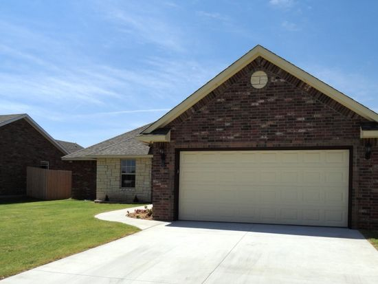 628 SW 6th St, Moore, OK 73160