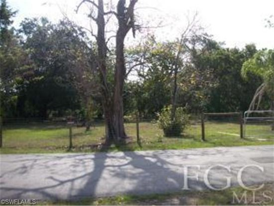 1563 Billie St, Fort Myers, FL 33916