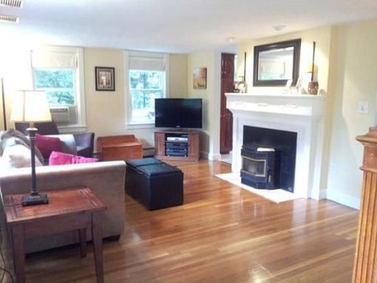 32 Summer St, Georgetown, MA 01833