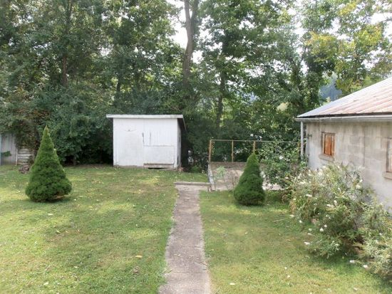 402 Forest Ave, Maysville, KY 41056