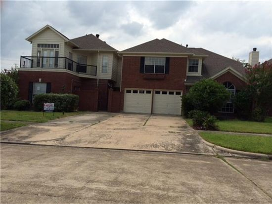 8719 Fondren Village Dr, Houston, TX 77071