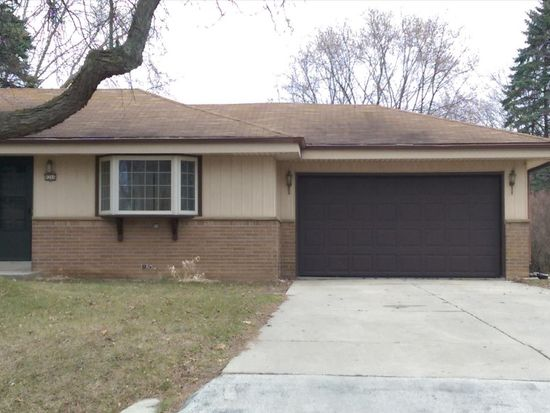 8266 N 50th St, Brown Deer, WI 53223