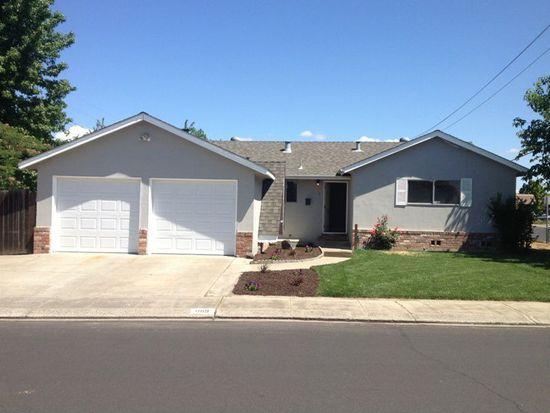 1189 Pine St, Manteca, CA 95336