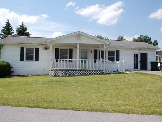 154 Lakeland Dr, Bluefield, WV 24701