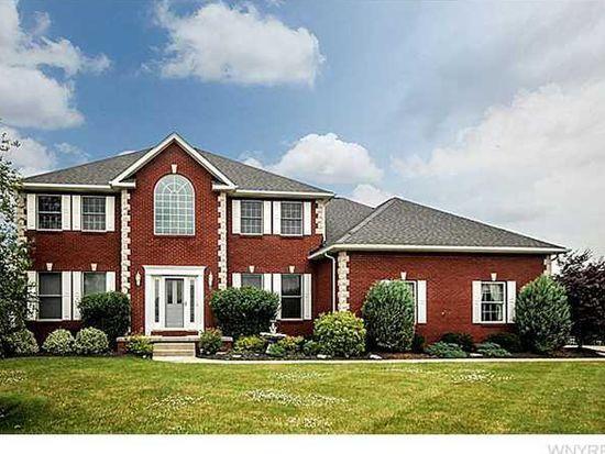 8777 Fairbrook Ct, East Amherst, NY 14051