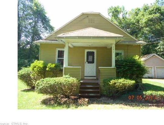 191 Pershing St, Bloomfield, CT 06002