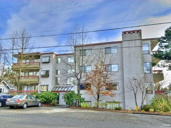 12300 33rd Ave NE APT 201, Seattle, WA 98125