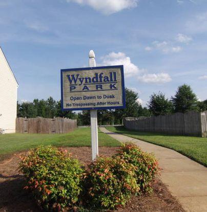 1010 Woodland Pointe Dr, Kernersville, NC 27284
