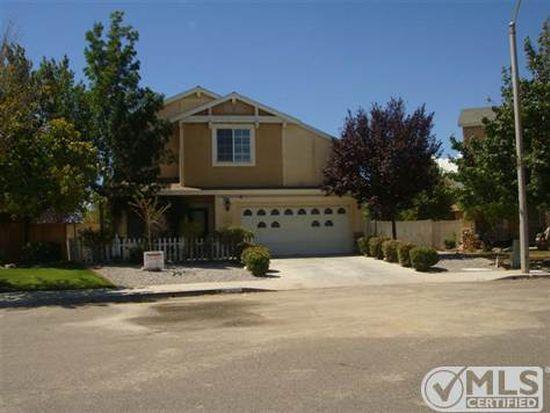 14711 Honeysuckle St, Victorville, CA 92394