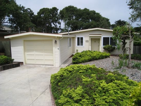 818 2nd St, Pacific Grove, CA 93950