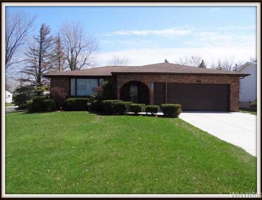 125 Fruitwood Ter, Williamsville, NY 14221