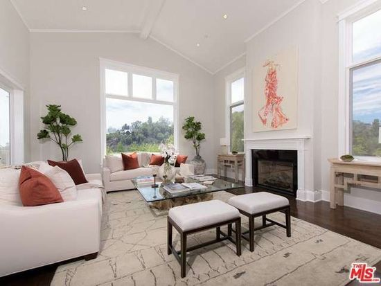 1832 Old Orchard Rd, Los Angeles, CA 90049