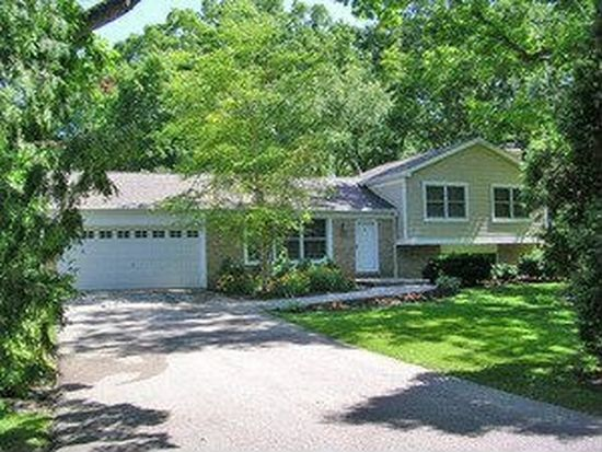 4112 Rigby Rd, Crystal Lake, IL 60012