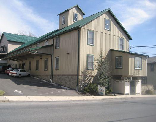 435 S Main St APT 302, Nazareth, PA 18064